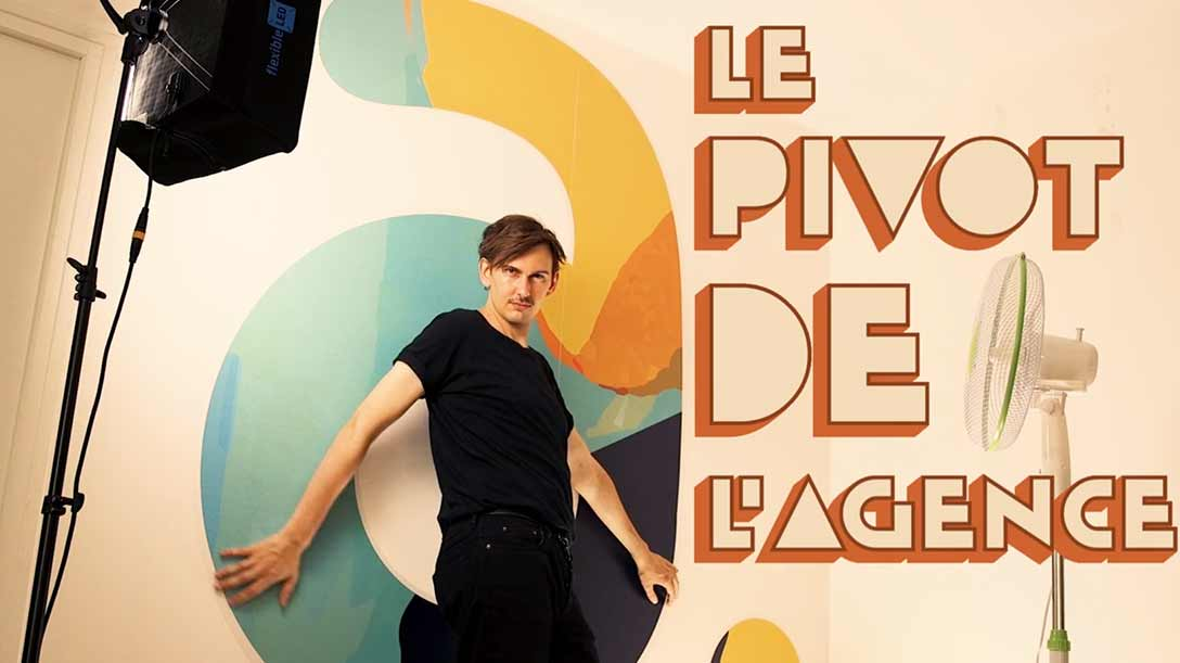 adesias-pivot-de-l-agence-adesias-corporate-shooting-marque-employeur-serie-le-pivot-de-l-agence-traffic-manager-digital-humour-recrutement-pivot